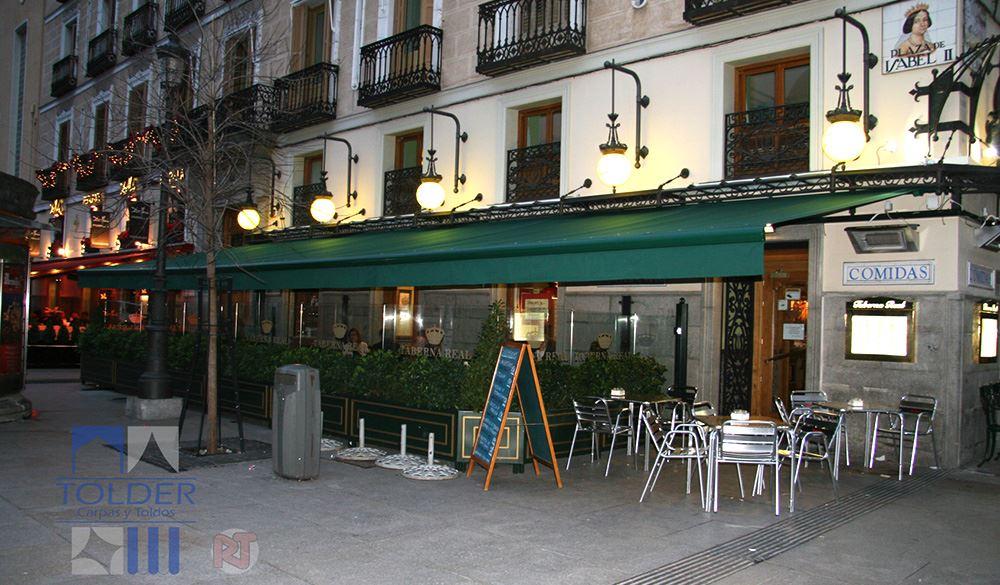 Toldo de 14 metros para la Taberna Real de Plaza Isabel II de Madrid