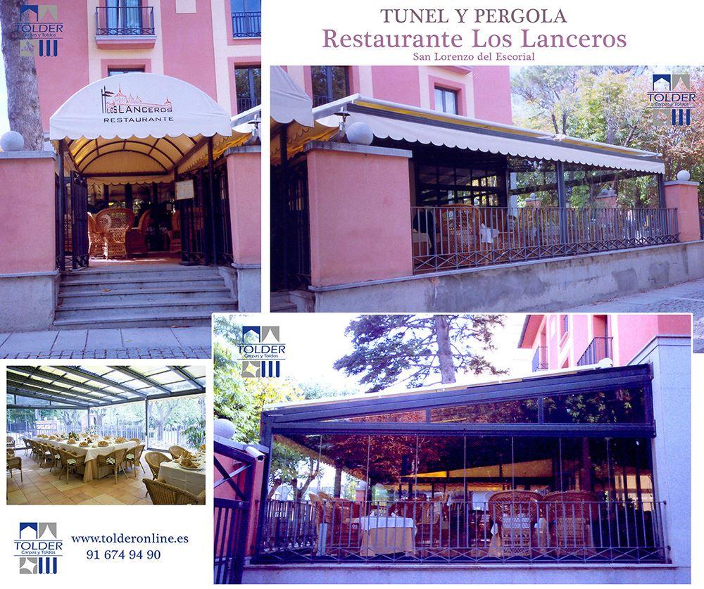 Tunel de entrada al restaurante Los Lanceros y pergola.